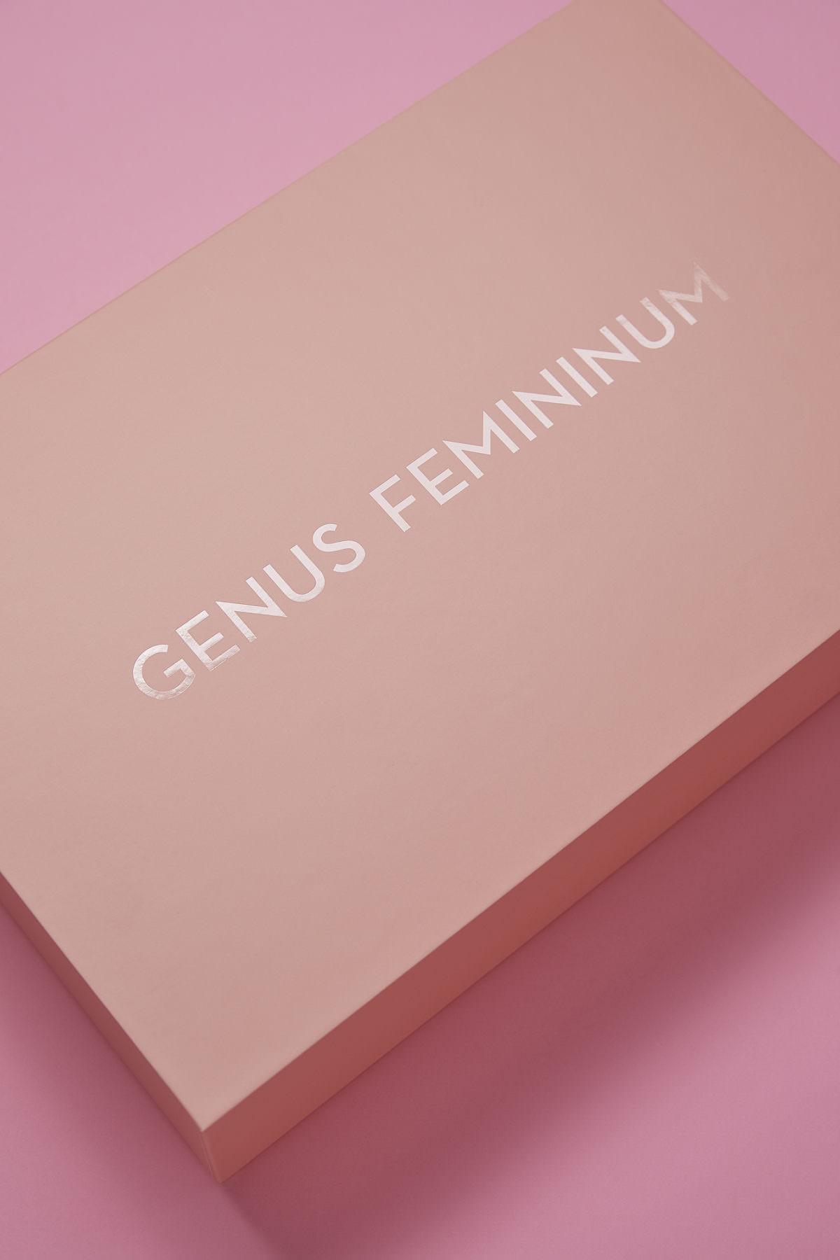 Genus Femininum2165